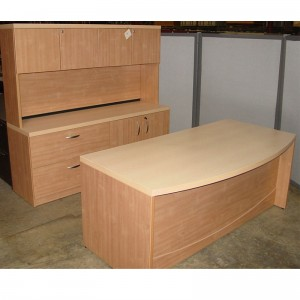 Maple-Bow-Front-Laminate-De