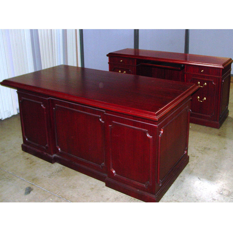 Dallas Office Furniture Cherry Traditional Executive Desk New Used