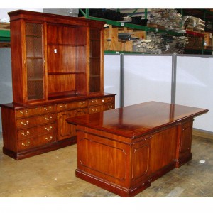 Traditional-Mahogany-Wood-D